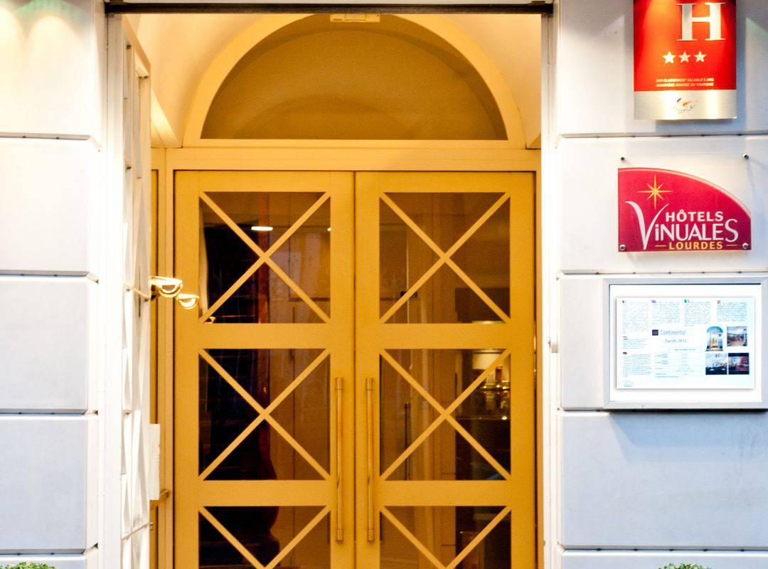 Hotel entrance, b&b Lourdes France, Hôtel Continental Lourdes