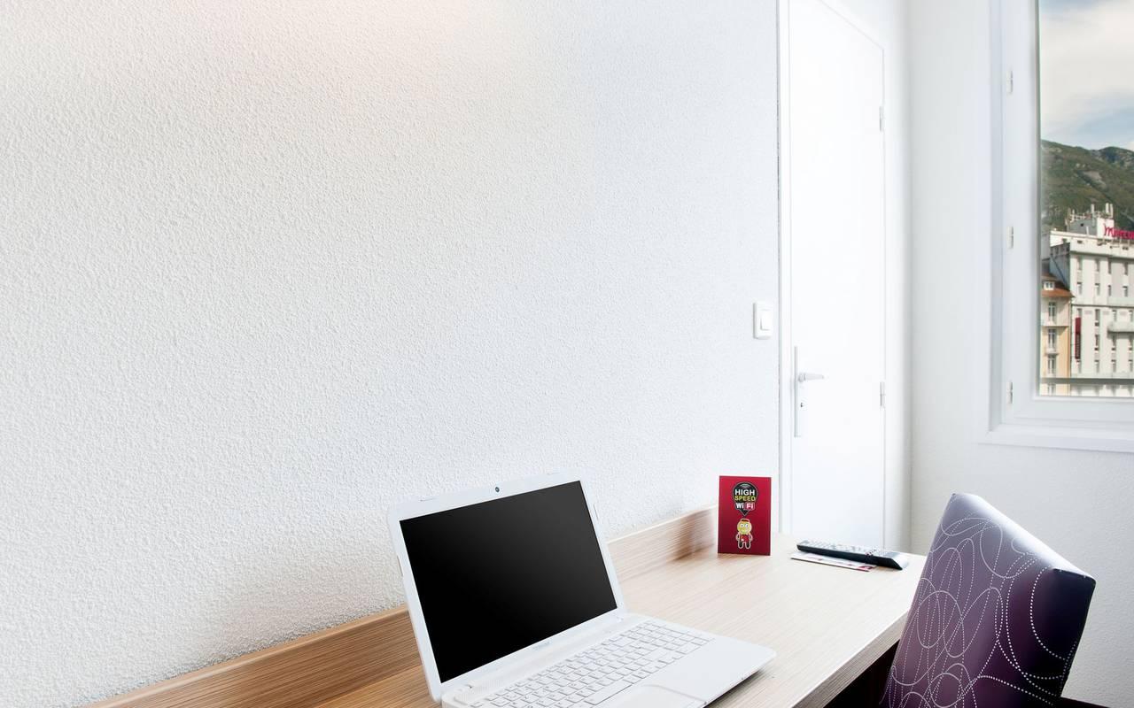 Office, bed and breakfast in Lourdes, Hôtel Continental Lourdes