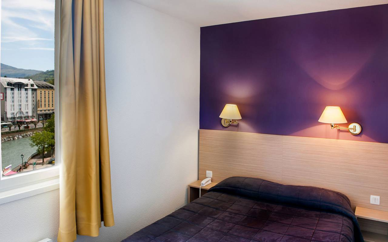 Double room with view, bed and breakfast in Lourdes, Hôtel Continental Lourdes