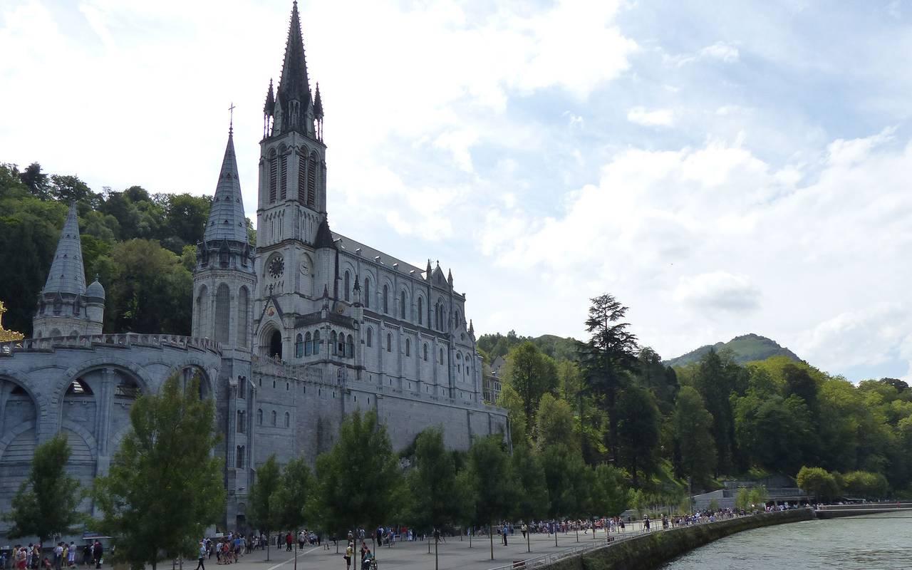 Cathedral, Lourdes travel, Hôtel Continental Lourdes